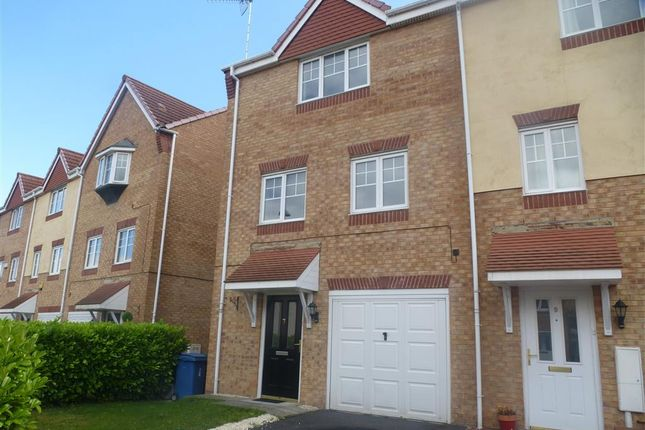 Thumbnail Semi-detached house to rent in White Rose Avenue, Mansfield