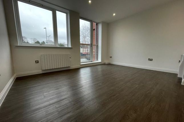 2 bed flat to rent in Four Oaks House, 160 Lichfield Road, Four Oaks, Sutton Coldfield B74