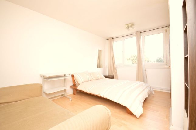 Thumbnail Flat to rent in Burritt Road, Kingston Upon Thames
