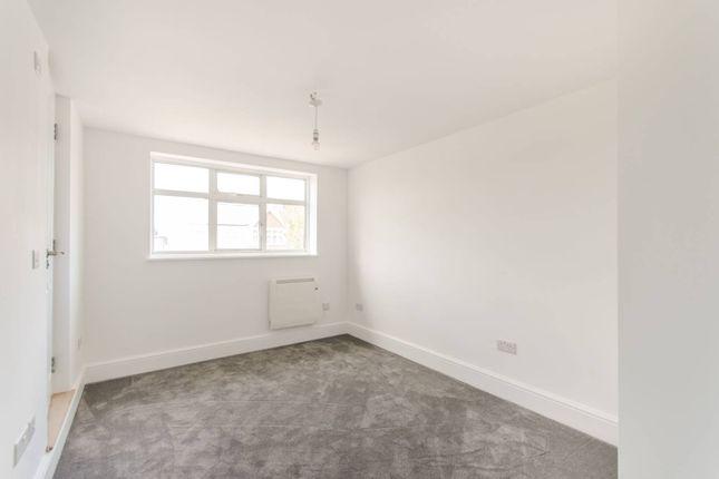 Thumbnail Flat to rent in Ashburton Road, Ruislip