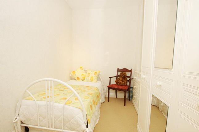 Bedroom 2 of Thorncroft Road, Bradford BD6