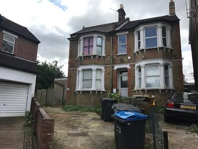 Thumbnail Commercial property for sale in Temple Road, Croydon