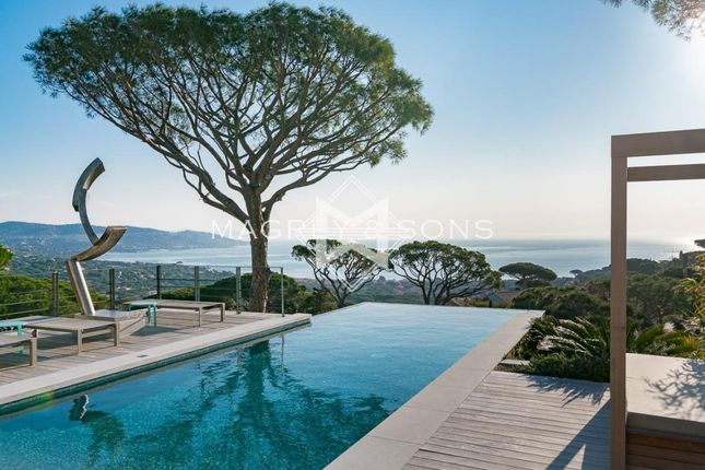 Thumbnail Villa for sale in Sainte-Maxime, 83120, France