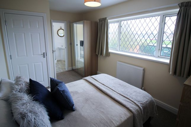 5 bed shared accommodation to rent in West End Lane, Rossington DN11
