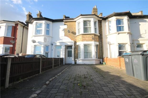 Thumbnail 2 bed flat for sale in Bensham Manor Road, Thornton Heath