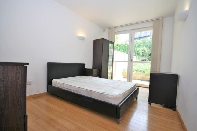 Thumbnail Duplex to rent in Helion Court, Westferry Road E14, London,