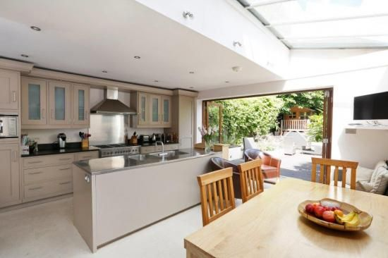 Thumbnail Terraced house to rent in Cheriton Square, Balham