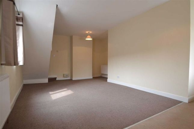 Thumbnail Maisonette to rent in St Martins Road, Scarborough, North Yorkshire