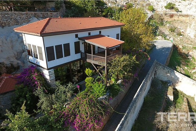 Thumbnail Villa for sale in Alanya Castle, Alanya, Antalya Province, Mediterranean, Turkey