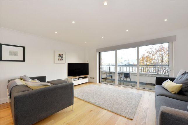 Thumbnail Terraced house for sale in Jamestown Way, London