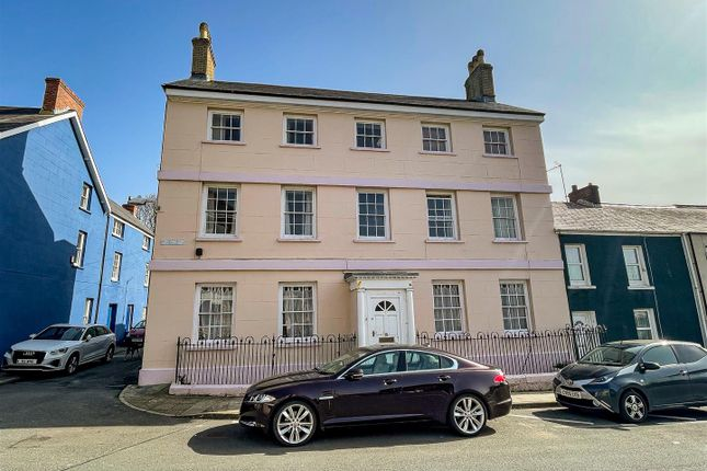 Thumbnail Studio to rent in Willesden House, Bush Row, Haverfordwest
