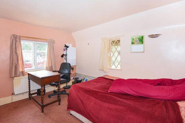 Bedroom of Shrivenham, Swindon SN6
