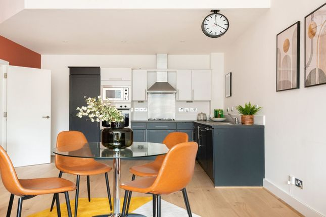 Thumbnail Flat to rent in Bluelion Place, London