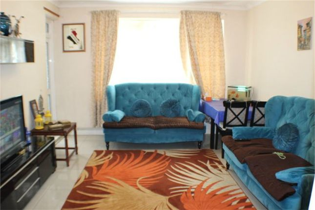 Thumbnail Flat for sale in Lorton House, Kilburn Vale, London