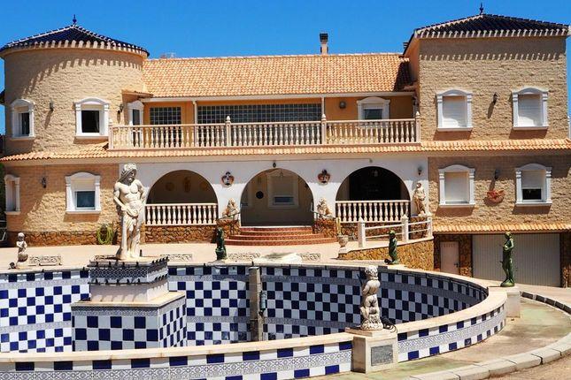 Thumbnail Villa for sale in Pinar De Campoverde, Alicante, Spain