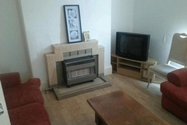 2 bed flat for sale in Fenham Road, Fenham, Newcastle Upon Tyne