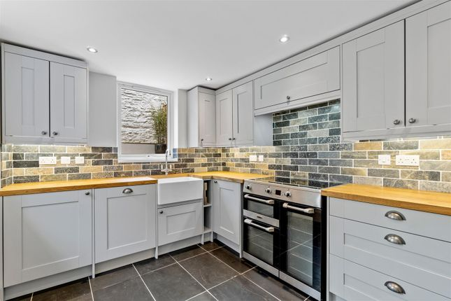 Kitchen of Southern Terrace, Mutley, Plymouth PL4