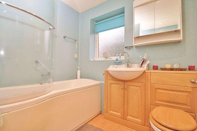 Bathroom of Wood Green, Woodcote, Reading RG8