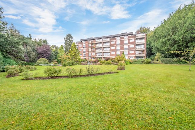 3 bed flat for sale in West Hill, Oxted RH8
