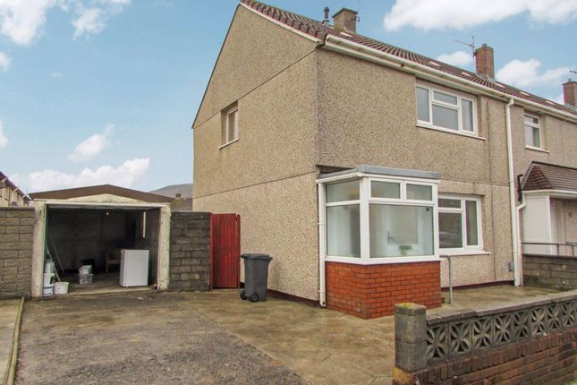 2 bed property to rent in Moorland Road, Sandfields, Port Talbot SA12