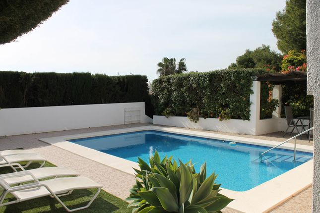 5 bed villa for sale in Nueva Andalucia, Costa Del Sol, Andalusia, Spain