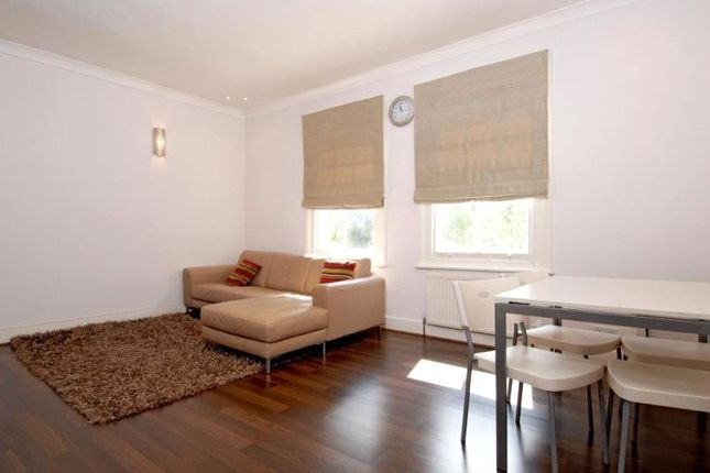 Thumbnail Flat for sale in Leigham Vale, London