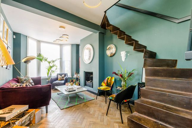 2 bed property for sale in Merredene Street, Brixton Hill