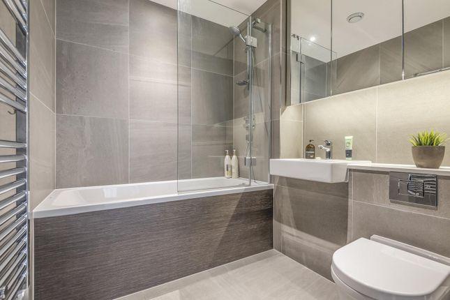 Bathroom of Roper, Reminder Lane, Parksde, Greenwich Peninsula SE10