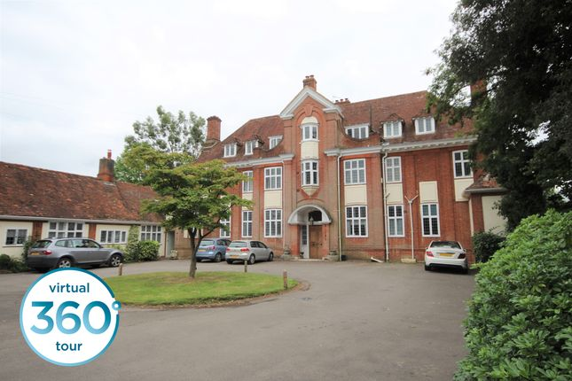 3 bed flat for sale in Swallowfield Road, Arborfield, Reading RG2