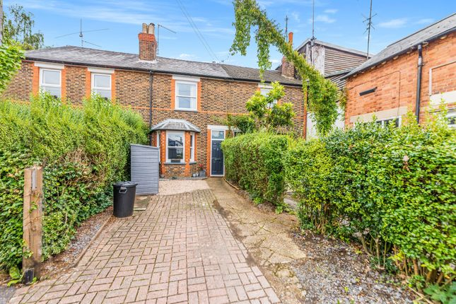 Thumbnail Terraced house for sale in Mount Street, Dorking