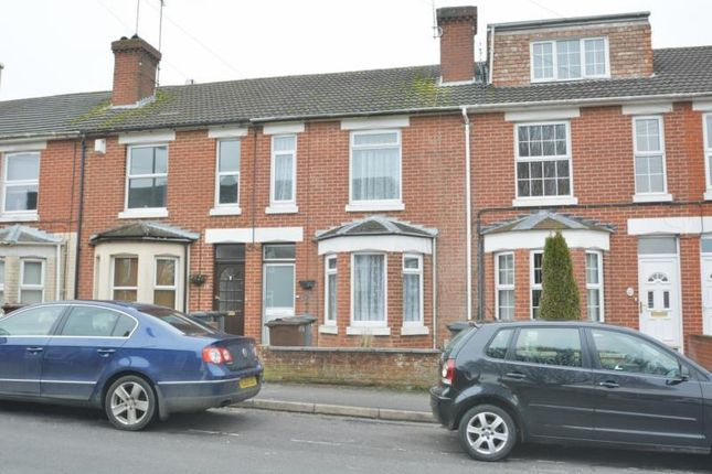 2 bed terraced house to rent in Adelaide Road, Andover SP10