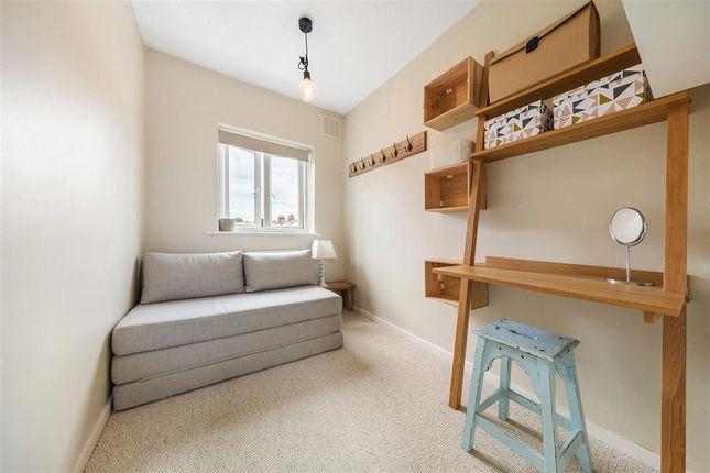 Second Bedroom of Edgington Road, London SW16