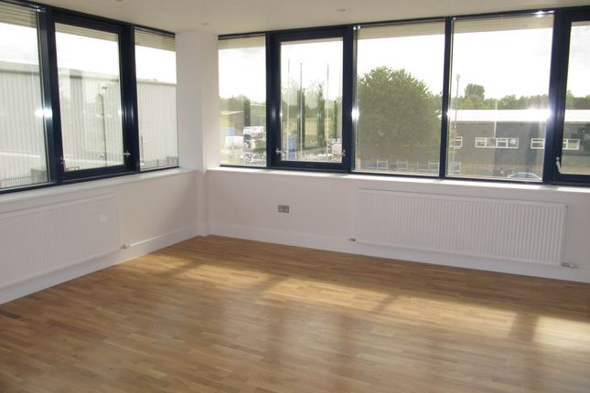 Thumbnail Flat to rent in Grand Union House, The Ridgeway, Iver, Bucks