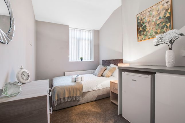 Thumbnail Room to rent in Crete Street, Oldham