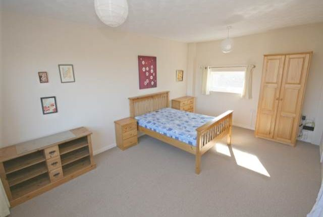 Thumbnail Room to rent in Room 3 Oxclose, Bretton, Peterborough