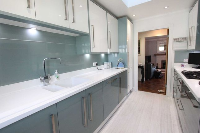 Thumbnail Bungalow for sale in Peartree Lane, Doddinghurst, Brentwood