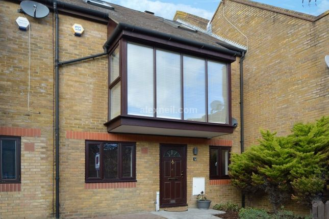Thumbnail Town house for sale in Clifton Place, London