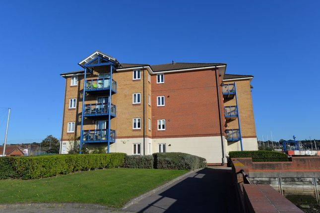 Thumbnail Flat to rent in Quayside Road, Southampton