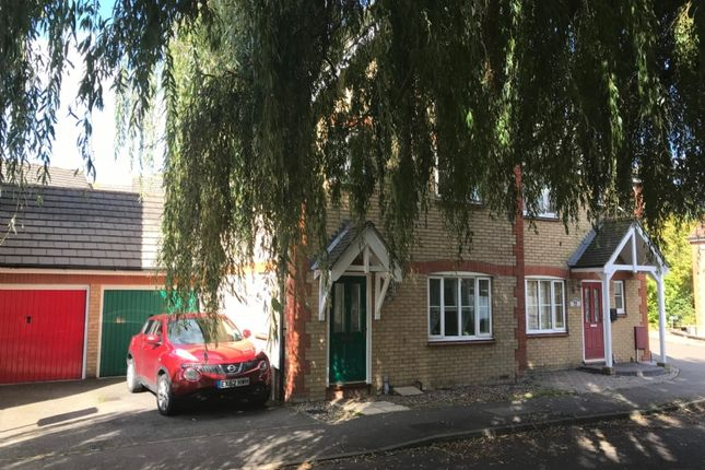 3 bed semi-detached house to rent in Headingley Close, Pitsea, Basildon