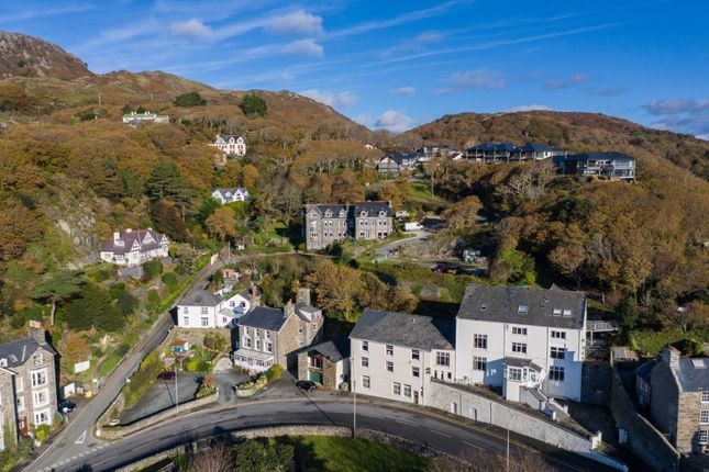 Thumbnail Leisure/hospitality for sale in Panorama Road, Barmouth