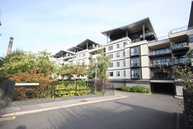 Thumbnail Flat to rent in Riverside Place, Cambridge