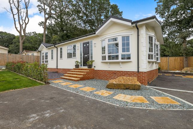 Thumbnail Mobile/park home for sale in Emms Lane, Brooks Green, Horsham