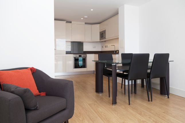 1 bed flat to rent in 2, Poplar KT19