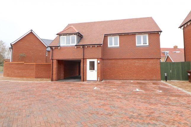 Thumbnail Flat to rent in Sandringham Lane, Polegate, East Sussex