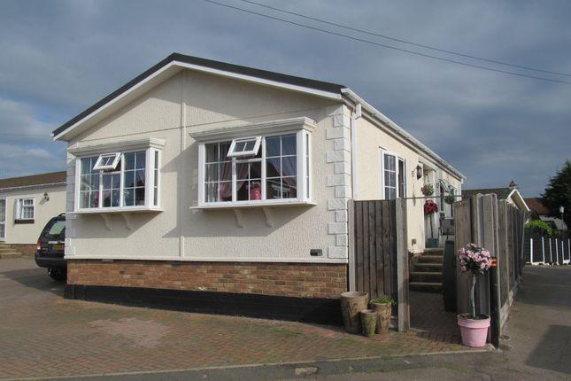 Thumbnail Mobile/park home for sale in Breach Barnes Park (Ref 5925), Waltham Abbey, Essex