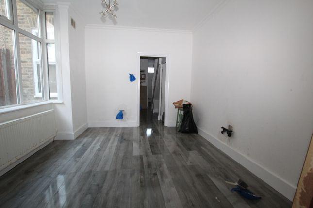 4 bed terraced house to rent in Nags Head Road, Ponders End, Enfield EN3