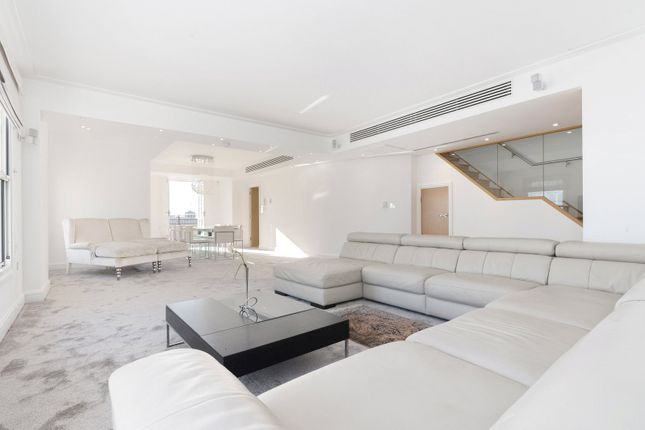 Thumbnail Flat to rent in New Hereford House, 129 Park Street, London