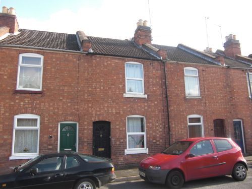Thumbnail Terraced house to rent in East Grove, Leamington Spa