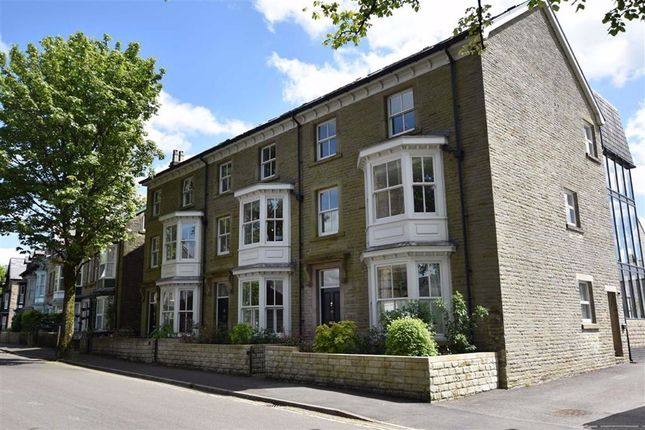 Thumbnail Flat to rent in Hardwick Square South, Buxton, Derbyshire