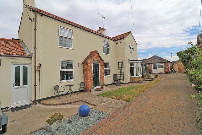 Thumbnail Cottage for sale in Battle Green, Epworth, Doncaster